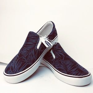 Men's Old Navy Slip On Canvas Shoes Size 10 NWT
